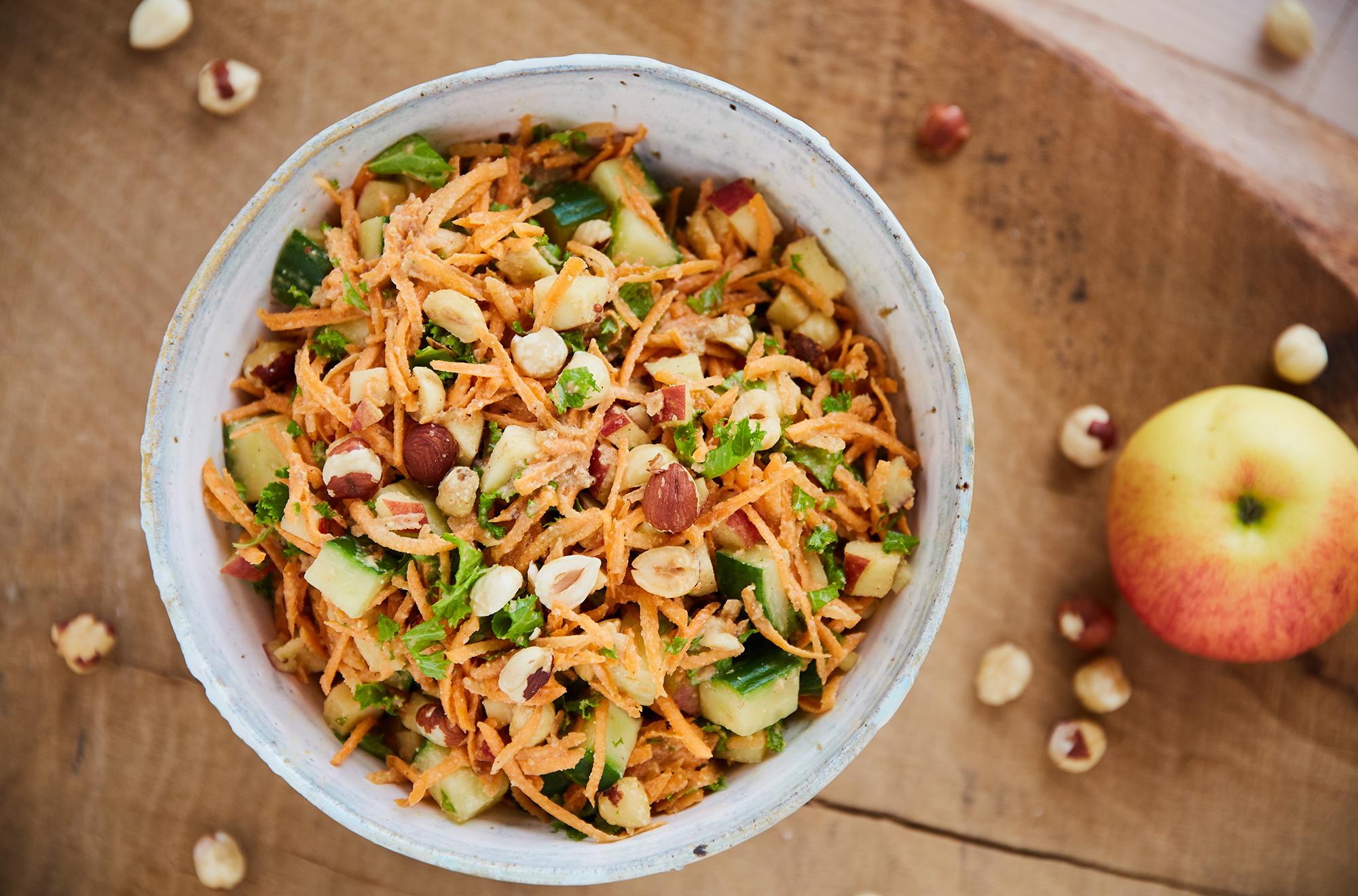 gulerodssalat-med-ristede-noedder
